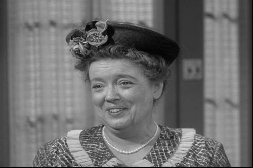 First_Episode_Aunt_Bee_10101